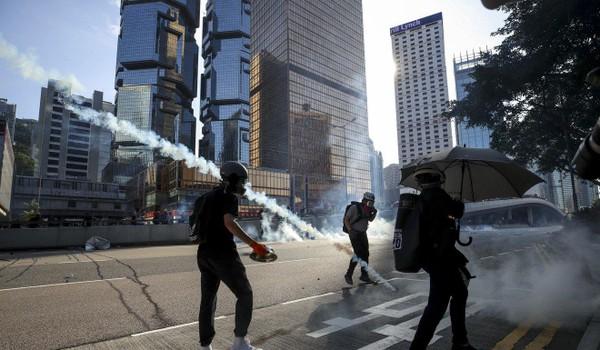 Người Hong Kong tìm sang Đài Loan vì quan ngại với tương lai TP này. Ảnh: SCMP