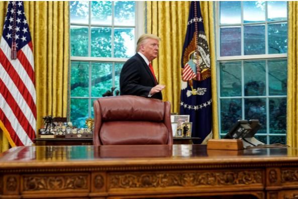 Tổng thống Mỹ Donald Trump tại Nhà Trắng ngày 5-9. Ông Trump bị chỉ trích vì định đưa đại diện Taliban đến Trại David đàm phán. Ảnh: REUTERS