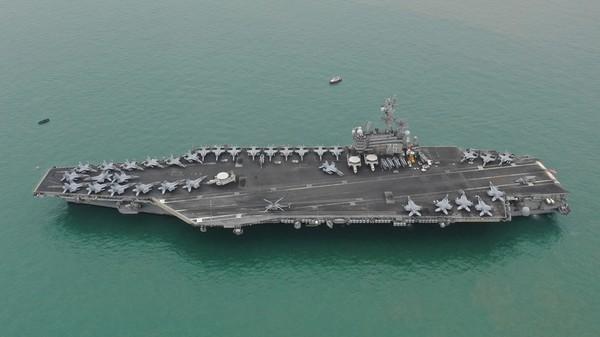 Tàu sân bay USS Ronald Reagan của Mỹ. Ảnh: REUTERS