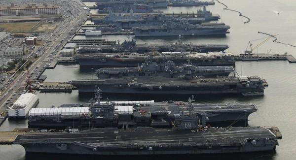 Hàng loạt tàu sân bay Mỹ tập trung ở cảng Norfolk, bang Virginia (Mỹ). Ảnh: SPUTNIK