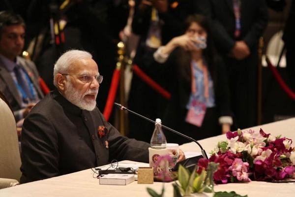 Thủ tướng Ấn Độ Narenda Modi phát biểu tại hội nghị thượng đỉnh ASEAN-Ấn Độ thứ 16 trong khuôn khổ kỳ Hội nghị ASEAN cấp cao lần thứ 35, tại Bangkok (Thái Lan) ngày 3-11. Ảnh: ST