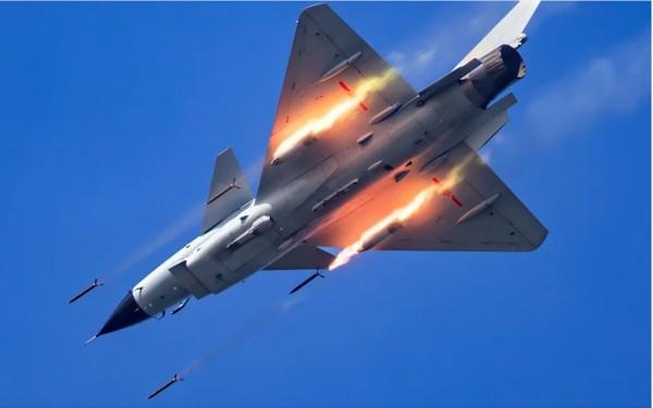 Không quân Trung Quốc đã thay đổi cách tiếp cận từ thụ động sang chủ động. Ảnh: THX