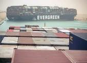 Tắc nghẽn kênh đào Suez do tàu 224.000 tấn mắc cạn