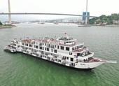 182 người phải cách ly trên du thuyền tại vịnh Hạ Long