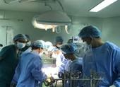 Phẫu thuật cùng lúc 3 van tim cứu bệnh nhân đang nguy kịch