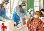 Campuchia tiêm mũi vaccine COVID-19 thứ sáu triệu, ông Hun Sen lại tặng tiền
