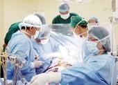 Bác sĩ ngỡ ngàng thấy hai van tim bị ... vôi hóa!