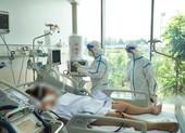 Bác sĩ hồi sức COVID-19 ở TP.HCM: 'Áp lực dồn dập và khủng khiếp'