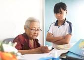 Cô Hoa với lớp học của  trẻ nghèo quận 9