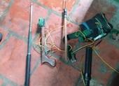 2 kẻ nghi trộm chó vào ngôi nhà ngổn ngang xác chó ở quận 12