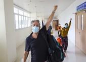 Bệnh nhân COVID-19 nặng người nước ngoài xuất viện: 'Tôi rất hạnh phúc'