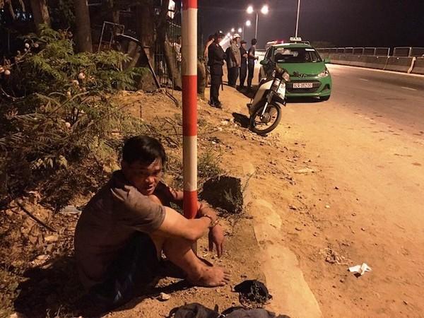 Tú bị bắt giữ khi thuê xe taxi Mai Linh để đi vận chuyển ma tuý. Ảnh: CSGT