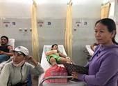 """Bé Linh """"vé số"""" trở nặng phải chuyển viện ra Đà Nẵng"""