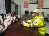 Công an lao xuống sông Hương cứu cô gái 19 tuổi