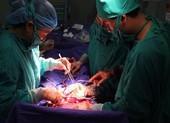 Phẫu thuật cứu sản phụ bị nhau cài răng lược hiếm gặp