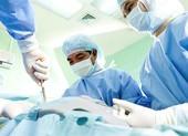 Phẫu thuật khẩn cho thanh niên bơm silicon vào 'của quý'