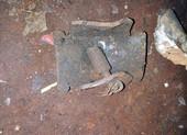Đầu đạn phát nổ khi cưa, 2 người chết tại chỗ