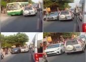 Tài xế xe biển xanh đi ngược chiều ở An Giang bị phạt 4 triệu