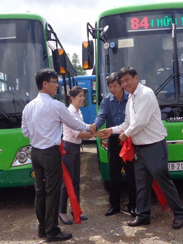 xe bus mới Chợ Lớn-Tân Túc