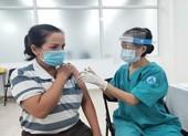 TP.HCM tiêm vaccine COVID-19 cho hơn 8.500 công nhân