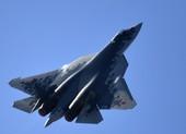 Video: Màn trình diễn nhào lộn đỉnh cao của tiêm kích Su-57