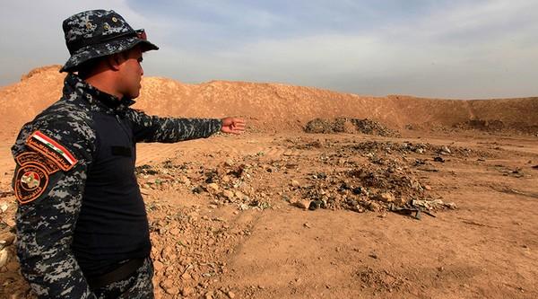 ngôi mộ tập thể Iraq