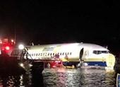 Máy bay Boeing 737 chở hơn 140 người lao xuống sông ở Mỹ