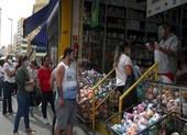 COVID-19 Brazil: Người chết tăng kỷ lục, hàng quán vẫn mở cửa