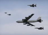 Mỹ điều B-52 đến tập trận cùng hai tàu sân bay ở Biển Đông