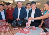 Phó Thủ tướng Vương Đình Huệ 'vi hành' chợ cuối năm