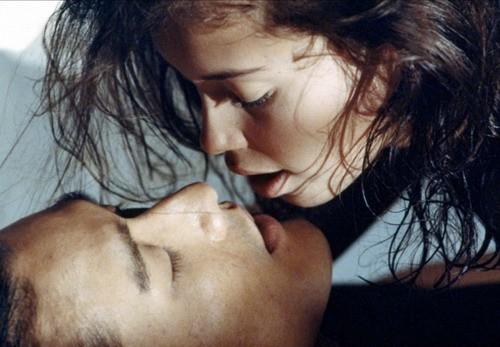 'Người tình' có vô số cảnh nóng táo bạo giữa Jane March và Lương Gia Huy.