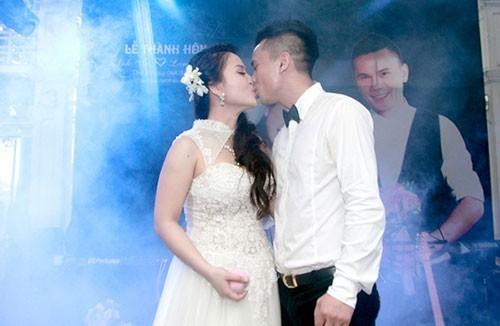 Mới đây, chàng ca sĩ đào hoa kết hôn lần ba với Lam Trang và khẳng định sẽ không bao giờ làm đám cưới nữa