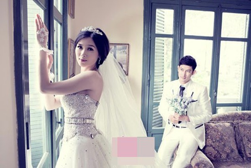 Giờ đây, khi có con với Mạc Anh Thư và đã chụp ảnh cưới, nhưng Huy Khánh vẫn chưa nghĩ đến chuyện tổ chức cưới lần nữa.