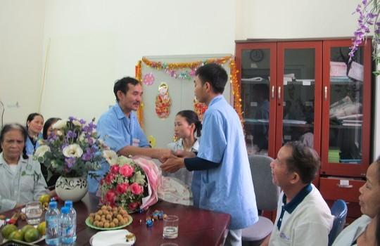 Lời chúc phúc từ người nhà các bệnh nhân cùng điều trị tại bệnh viện