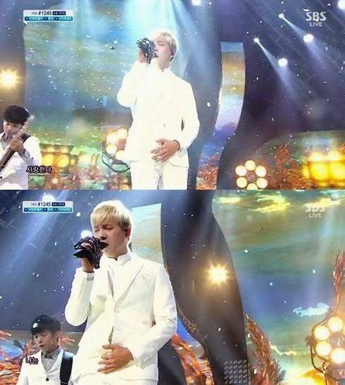 Trước khi lên sân khấu biểu diễn trực tiếp Inkigayo, Hongki (FT Island) đã quên không kéo khóa quần.