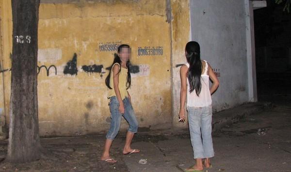 Những con đường mại dâm và quán cà phê 'tới Z' ở Sài Gòn