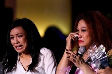 Hình ảnh nức nở của Phương Thanh - Siu Black trong scandal vỡ nợ của ca sĩ của núi rừng Tây Nguyên