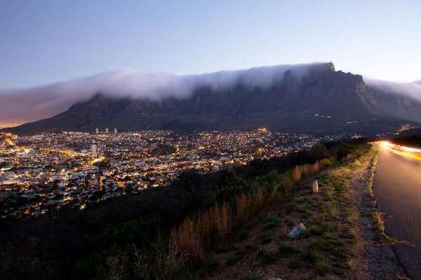 Cape Town của Nam Phi.