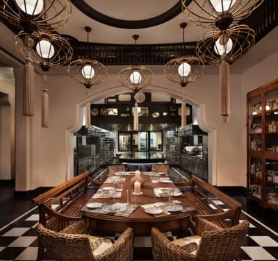 La Maison 1888 là nhà hàng đầu tiên tại châu Á được đầu bếp 3 sao Michelin - Micheal Roux đích thân xuống bếp. Những dịch vụ giải trí ngay trong khuôn viên khu nghỉ dưỡng như rạp chiếu phim, karaoke , VIP club, bar& cùng những chuyến trải nghiệm, khám phá thiên nhiên, văn hóa Việt Nam cũng góp phần giúp khu nghỉ dưỡng nhận được giải thưởng.