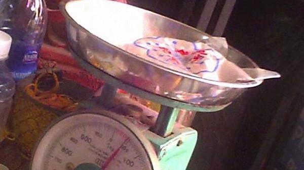 Một bịch tử hà sa (nhau thai người) khoảng 50 gram được ra giá 250.000 đồng