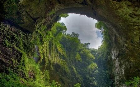 Hang động tự nhiên lớn nhất thế giới hiện lên vô cùng kỳ vỹ
