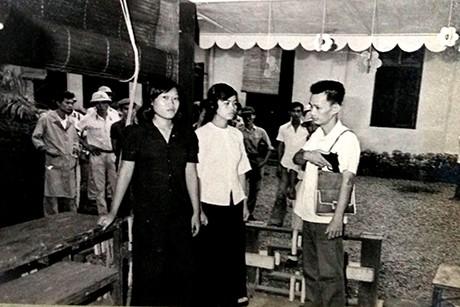 Nguyễn Thanh Tân móc súng uy hiếp hai cô giáo để bắt cóc bé Taro