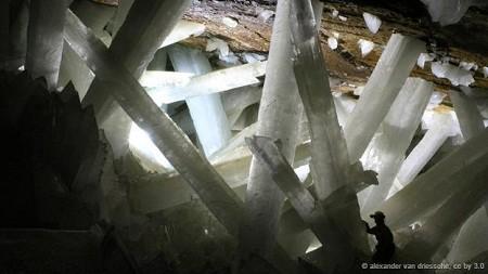 Hang động thạch cao ở Mexico:
