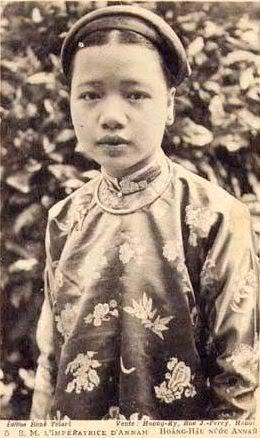 """Những vẻ đẹp """"quốc sắc thiên hương"""" của triều Nguyễn"""