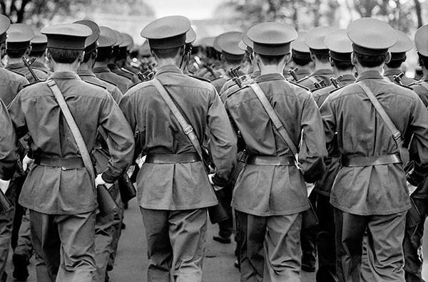 Một cuộc diễu hành của quân đội - Ảnh chụp năm 2000 tại TP. HCM
