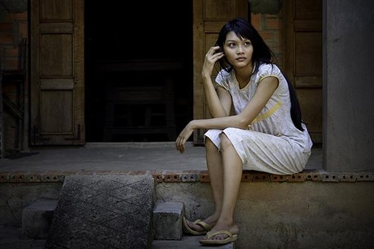 Thanh Tú vào vai một cô gái nhà nghèo nhưng đầy nghị lực trong Dịu dàng