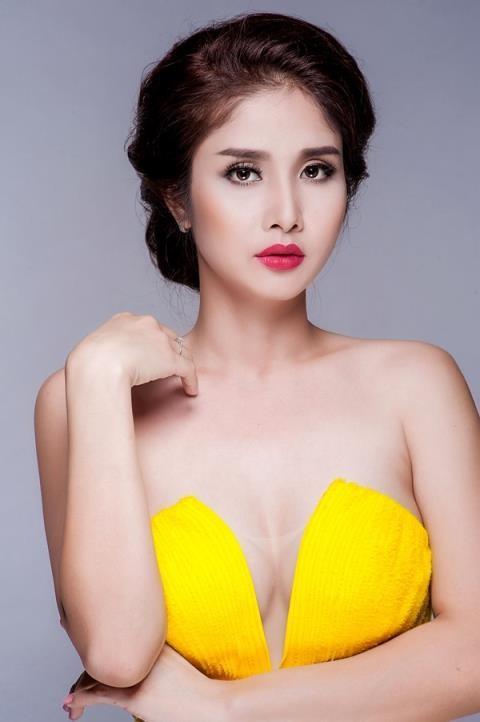 Thao Trang ho bao sau ly hon Phan Thanh Binh