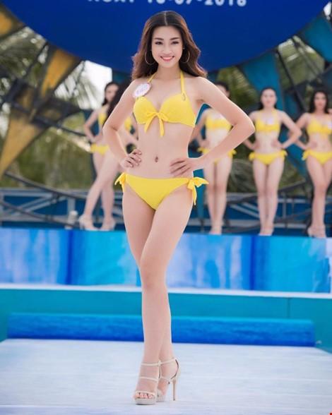 Đỗ Mỹ Linh, sinh năm 1996 sở hữu chiều cao 1,71 m với số đo hình thể 87-61-94
