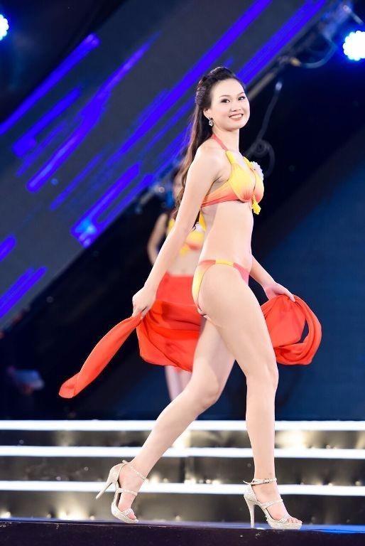 Cô cao 1m75, hiện là sinh viên Học viện Báo chí và Tuyên truyền