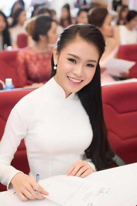 Với thành tích quốc tế đáng ngưỡng mộ này, Ngọc Vân được tuyển thẳng vào các trường đại học tại Việt Nam. Cô chọn vào Trường Ngoại thương như ước muốn ấp ủ ban đầu